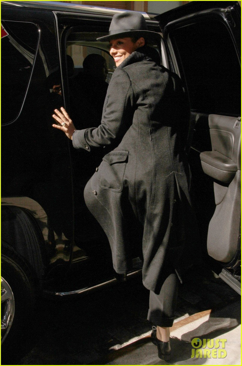 alicia keys recording song its on again for spider man 2 soundtrack 043071899