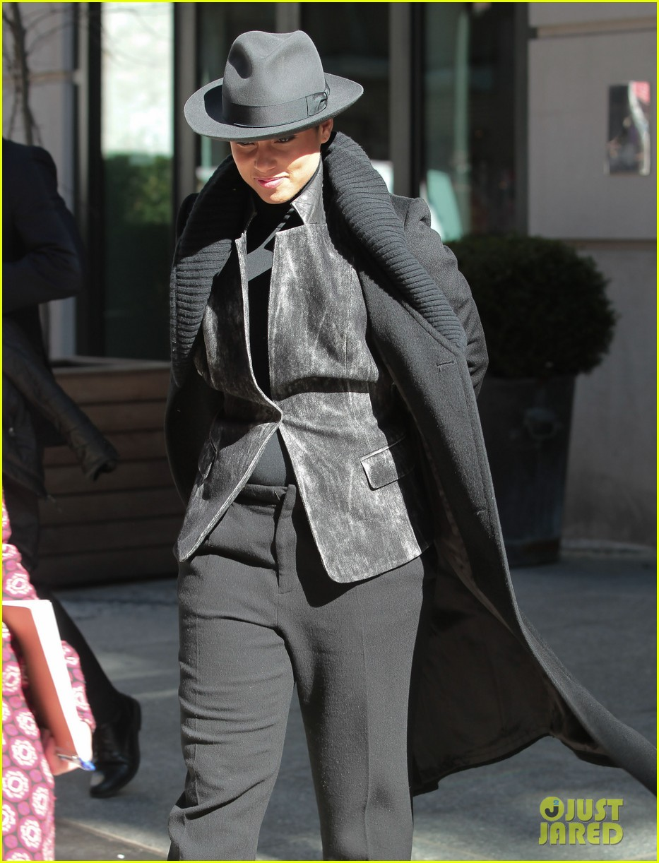 alicia keys recording song its on again for spider man 2 soundtrack 073071902
