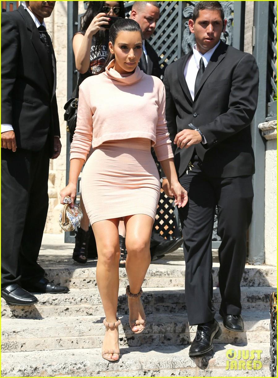 kim kardashian hits miami before dash grand opening 093070527