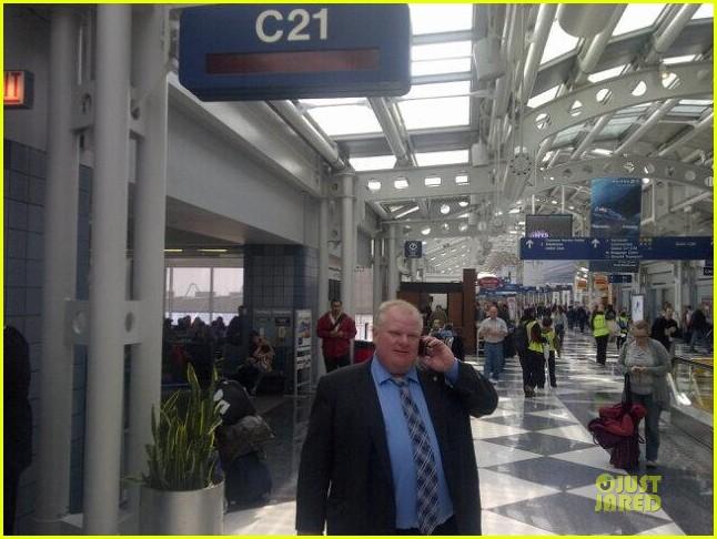 jimmy kimmel picks up toronto mayer rob ford at lax airport 013063213