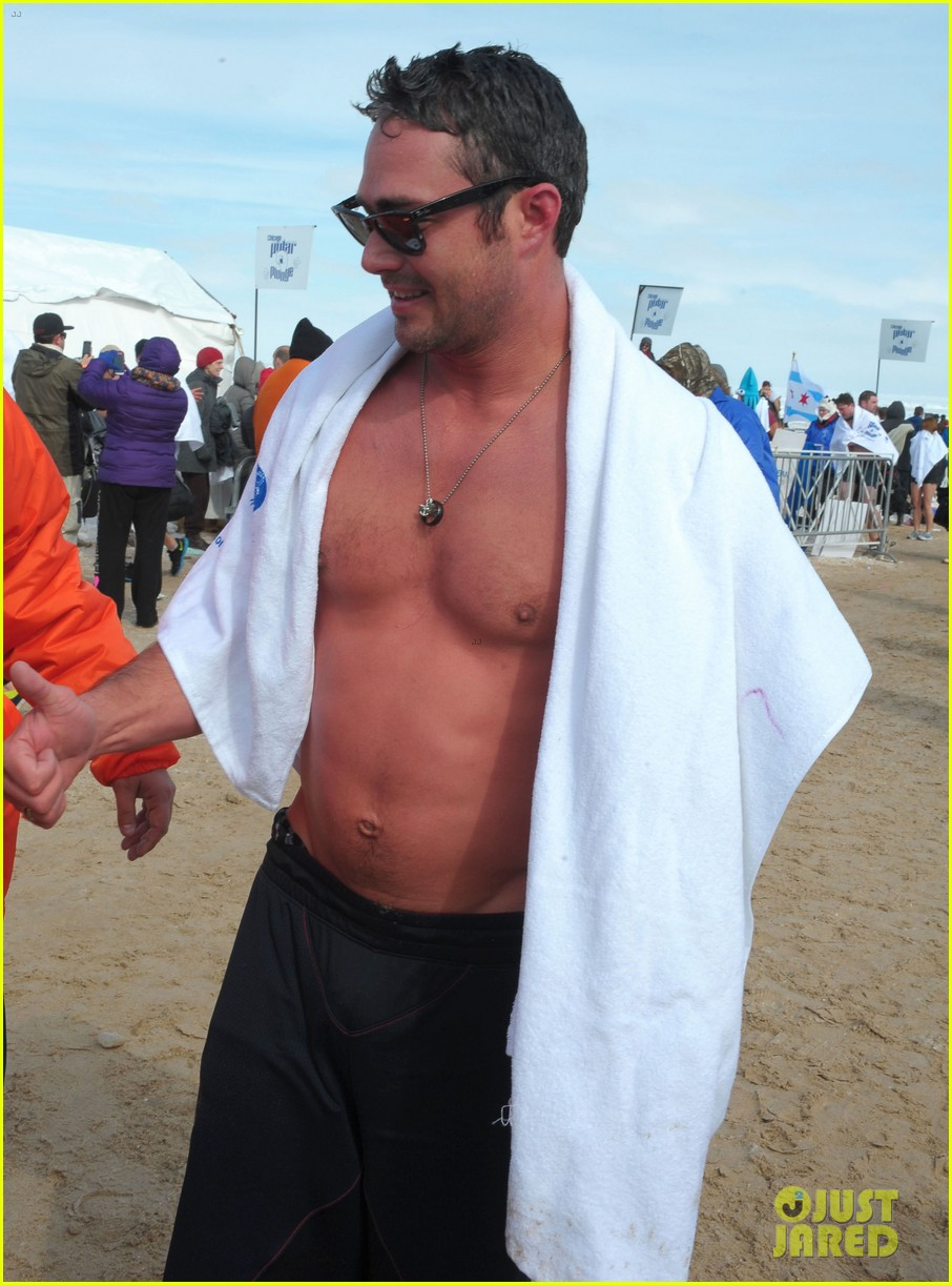 taylor kinney goes shirtless for polar plunge in chicago 133065004