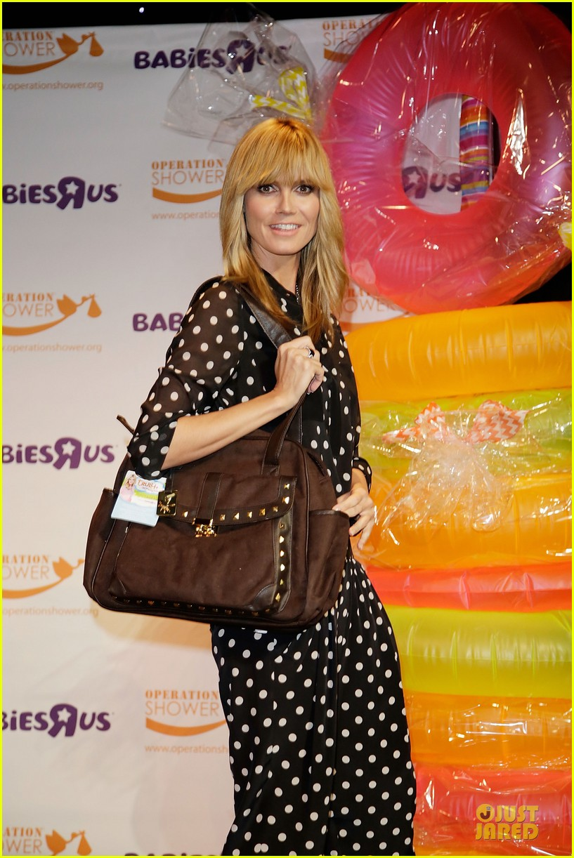 heidi klum is a polkadot sheer host at babies event 103066120