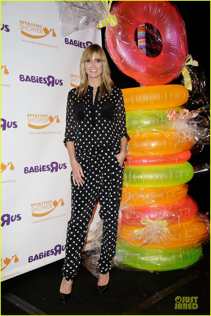 heidi klum is a polkadot sheer host at babies event 153066125