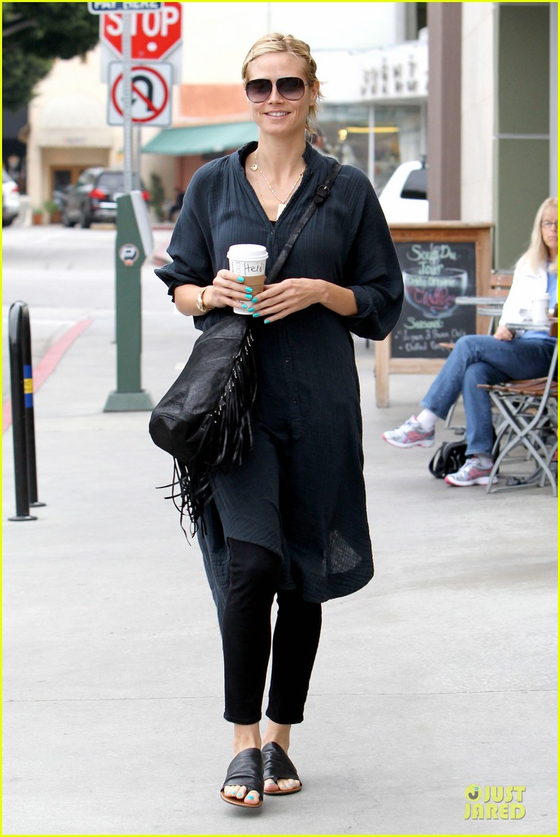 heidi klum shows beauty of being pregnant 103076409