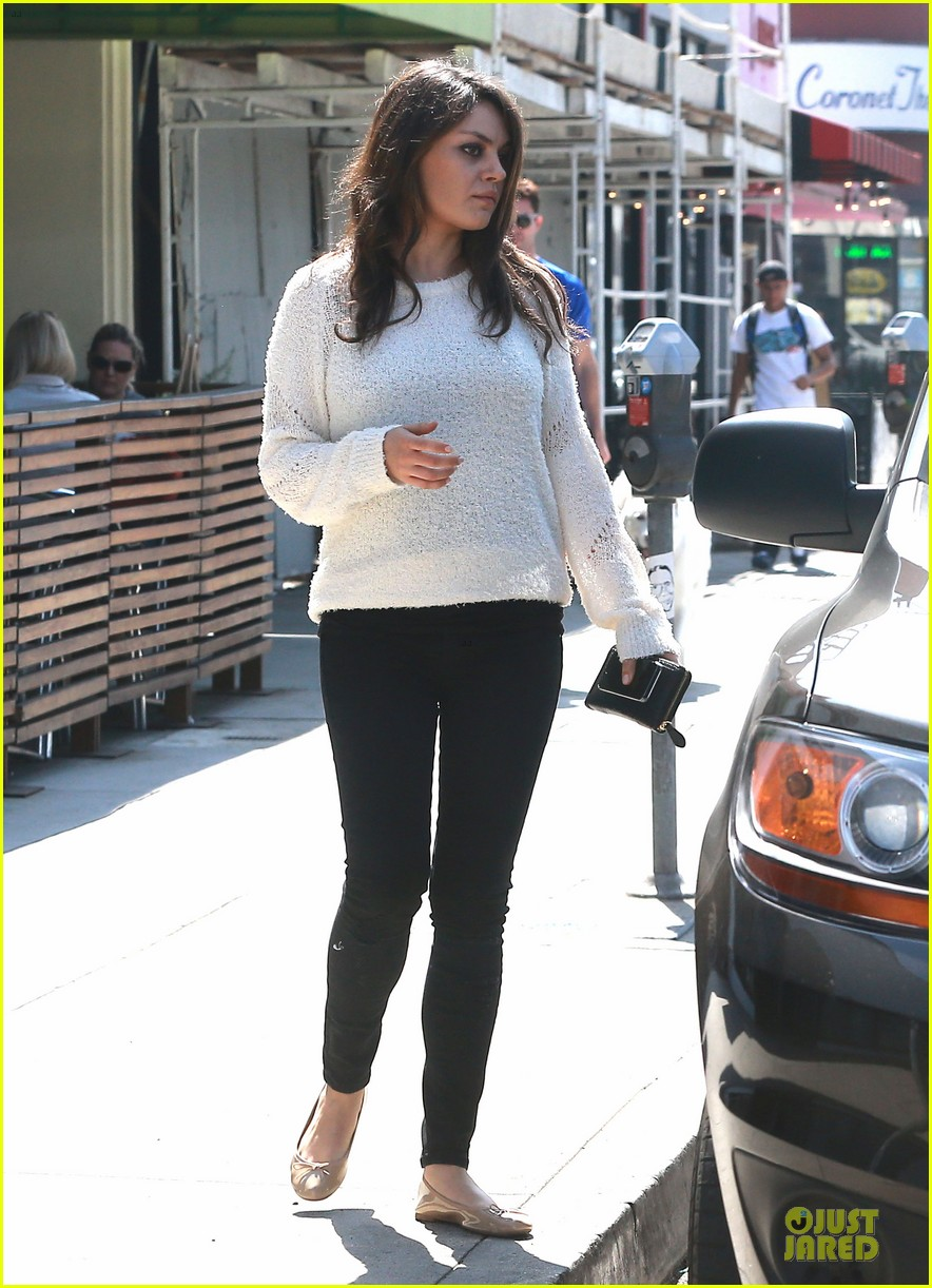 mila kunis brightens up the day with shopping 073072349