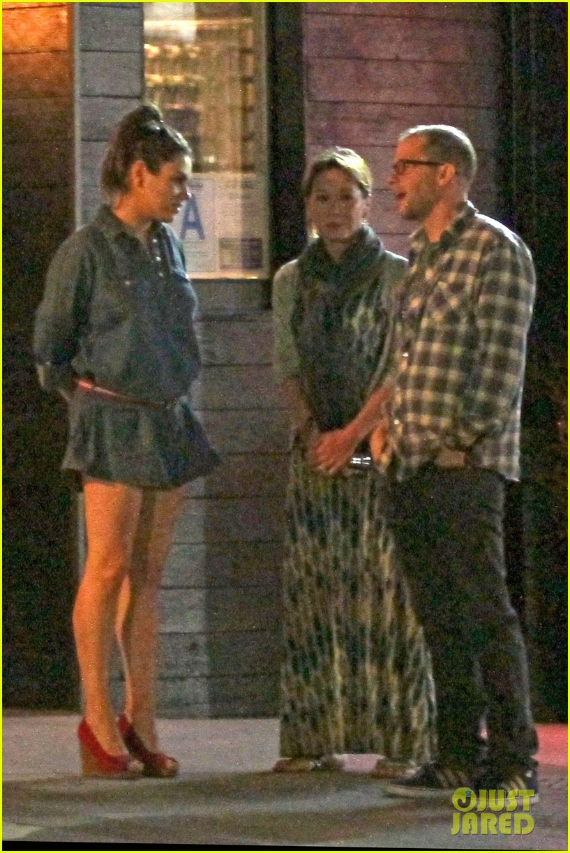 mila kunis ashton kutcher studio city double date 033071057