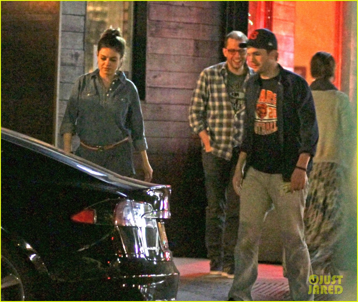 mila kunis ashton kutcher studio city double date 08