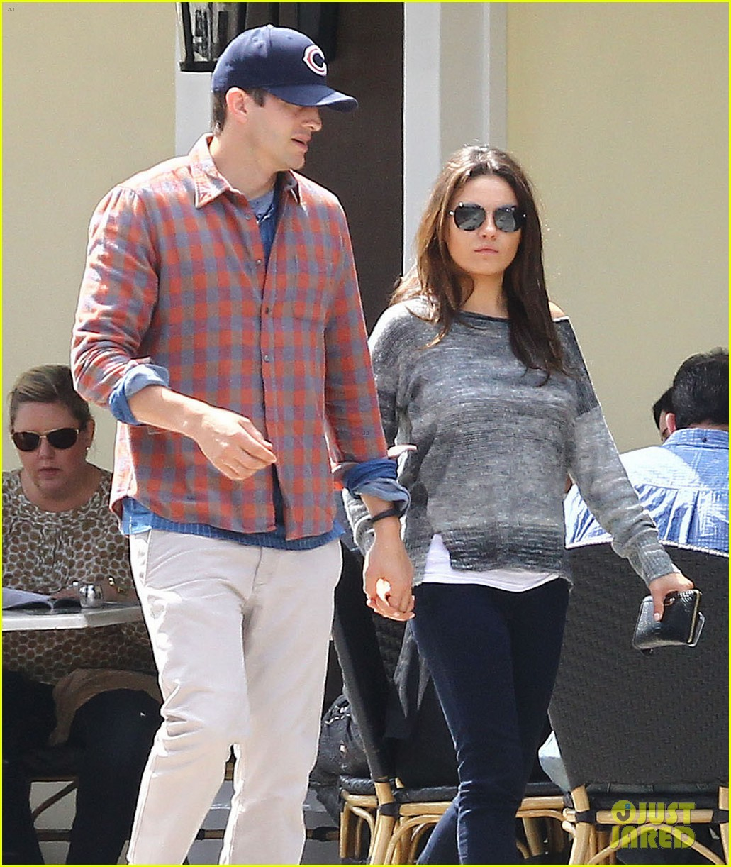 New rumors: Ashton Kutcher and Mila Kunis got married 01/06/2015 80