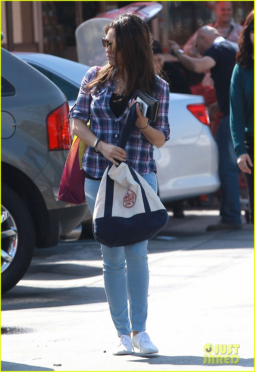 mila kunis keeps casual in plaid for grocery run 023071927