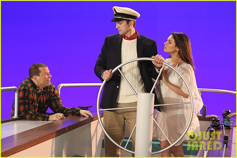 mila kunis ashton kutcher two half men stills 013077835
