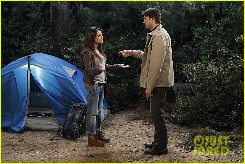 mila kunis ashton kutcher two half men stills 033077837