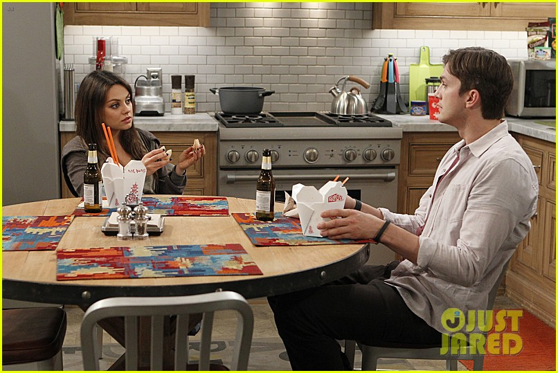 mila kunis ashton kutcher two half men stills 04