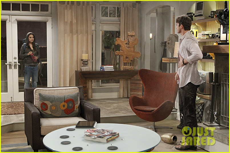 mila kunis ashton kutcher two half men stills 073077841