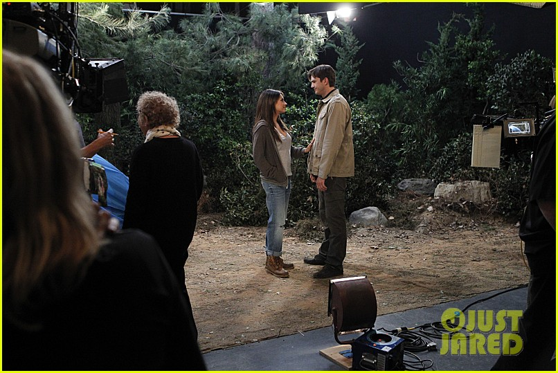 mila kunis ashton kutcher two half men stills 093077843