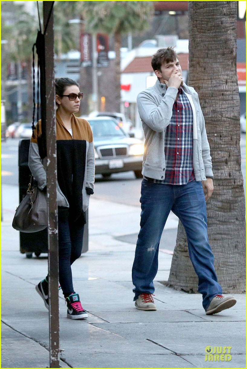 ashton kutcher mila kunis grab dinner as newly engaged couple 163065610