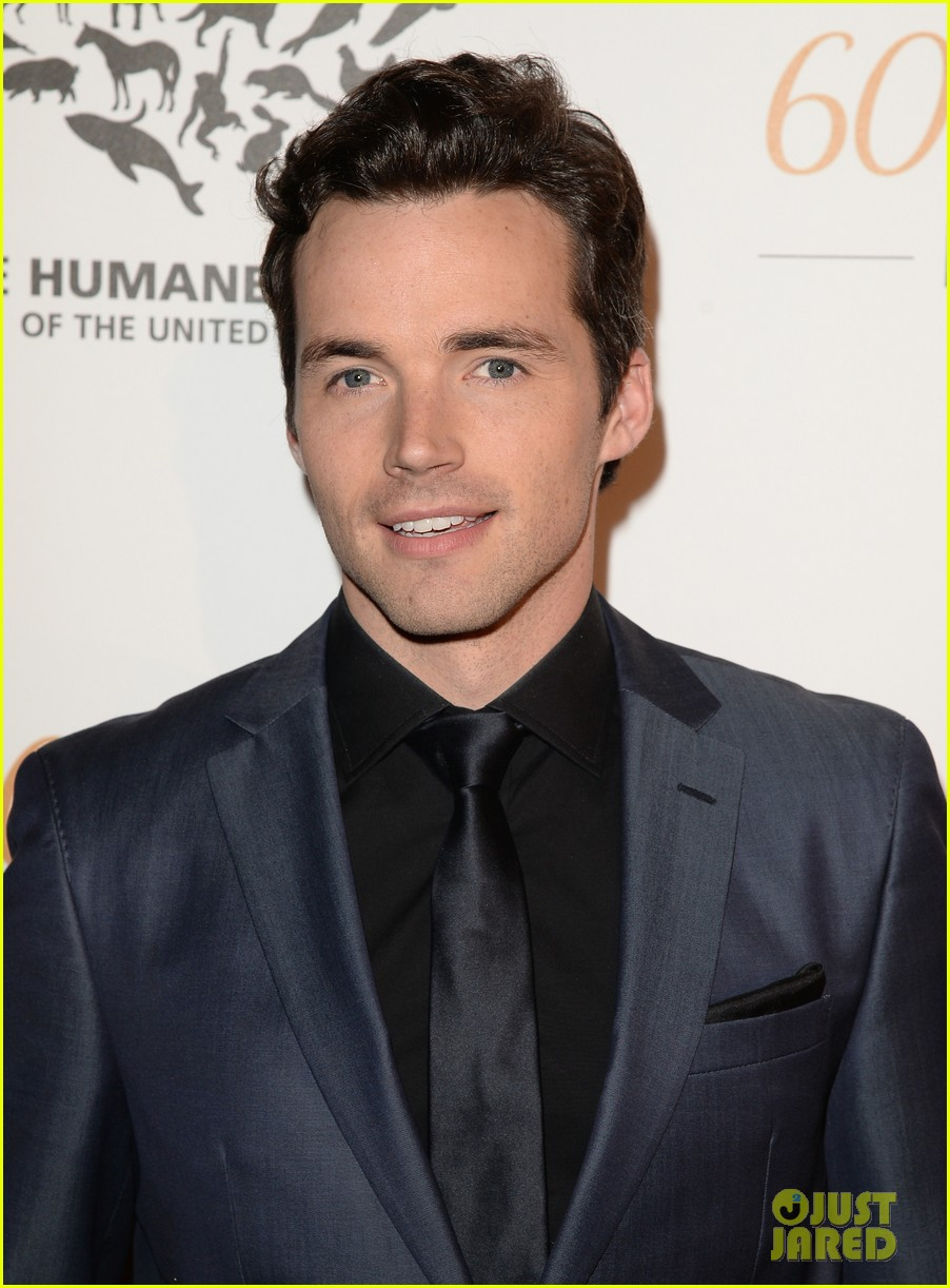 hearththrobes matt lanter ian harding step out for the humane society 083081643