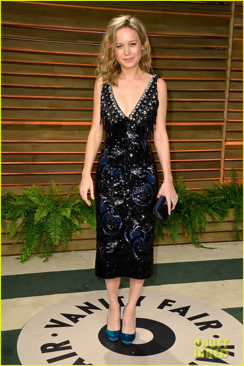 brie larson aubrey plaza vanity fair oscars party 2014 033064742