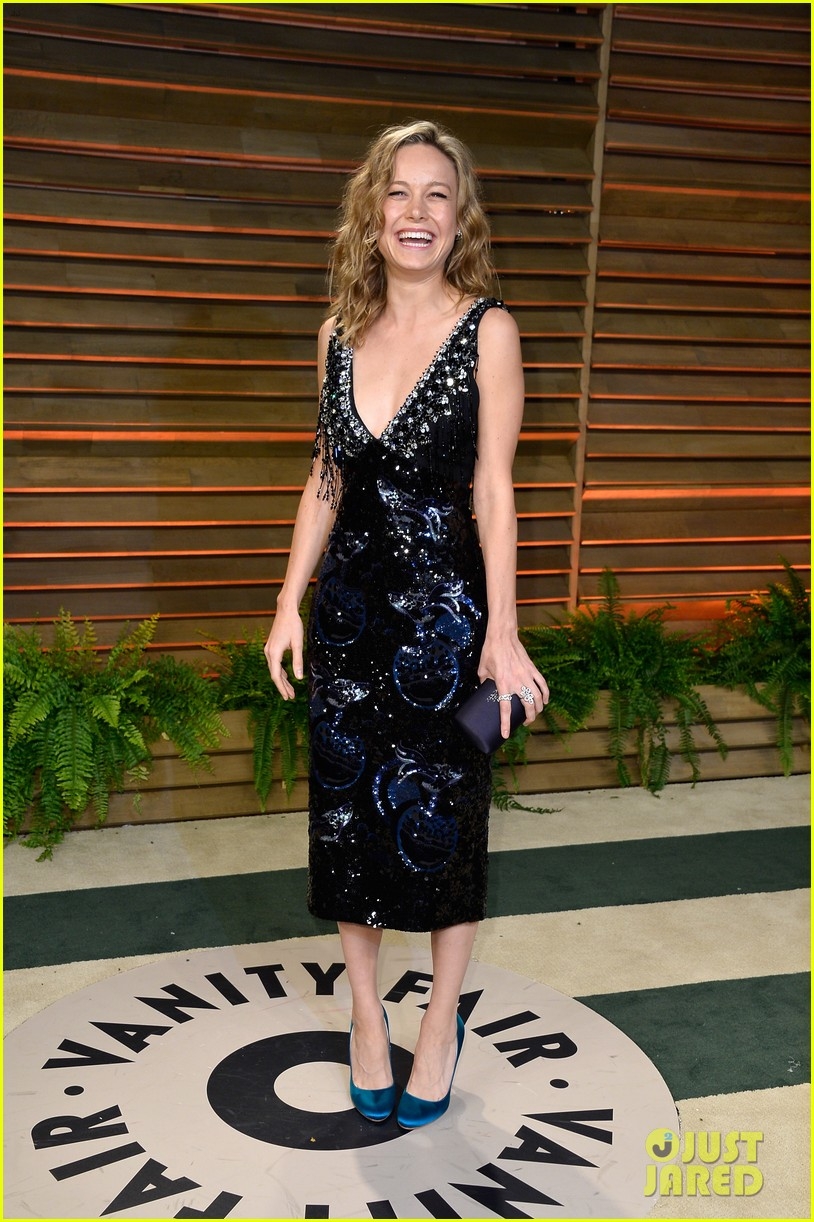 brie larson aubrey plaza vanity fair oscars party 2014 093064748