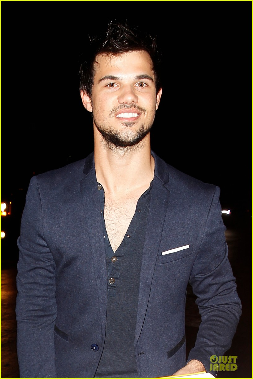 taylor lautner will bring his hotness to cuckoo season 2 023065622