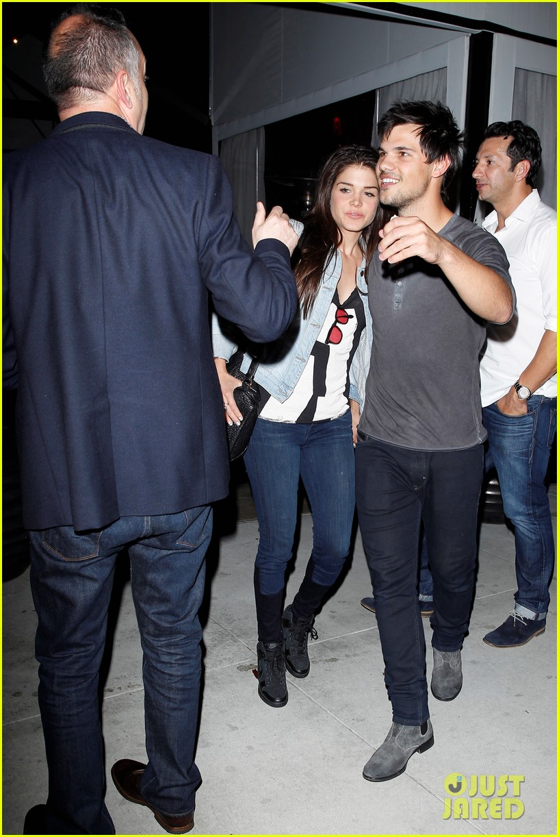 taylor lautner marie avgeropolous look so in love on dinner date 033071933