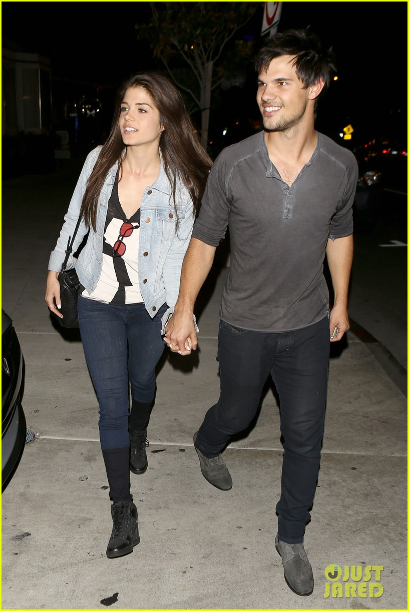 taylor lautner marie avgeropolous look so in love on dinner date 103071940