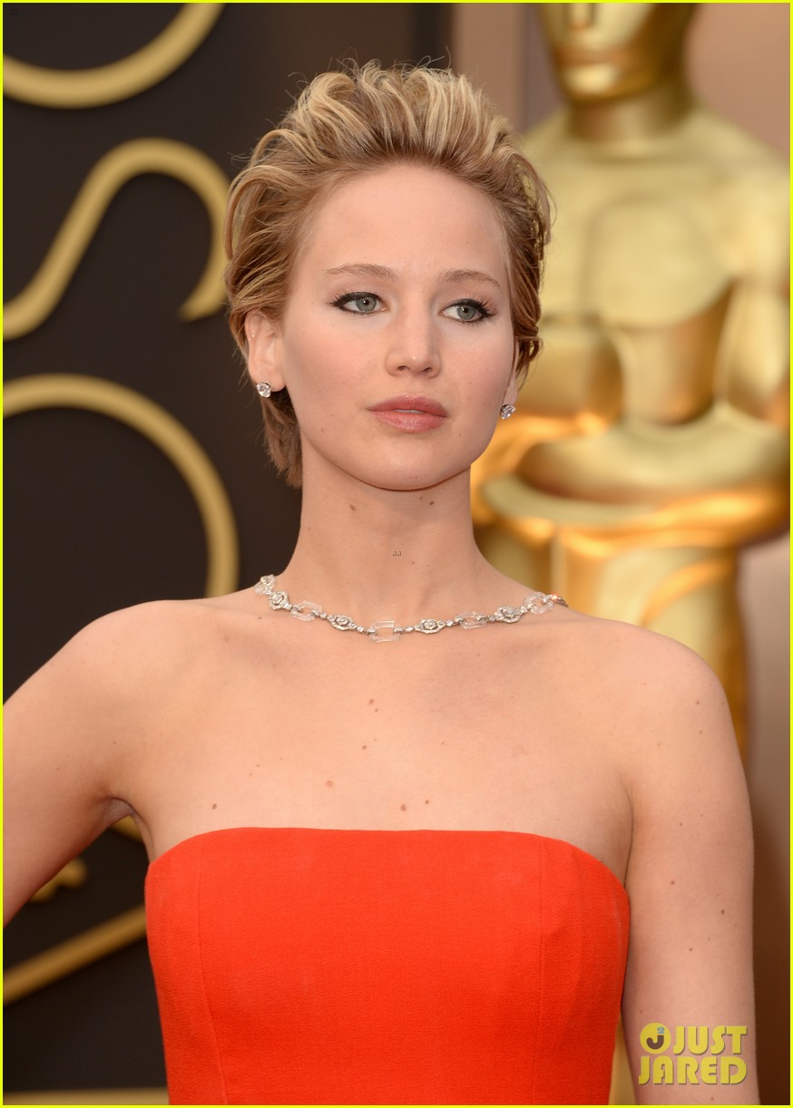 jennifer lawrence oscars 2014 red carpet 083063862
