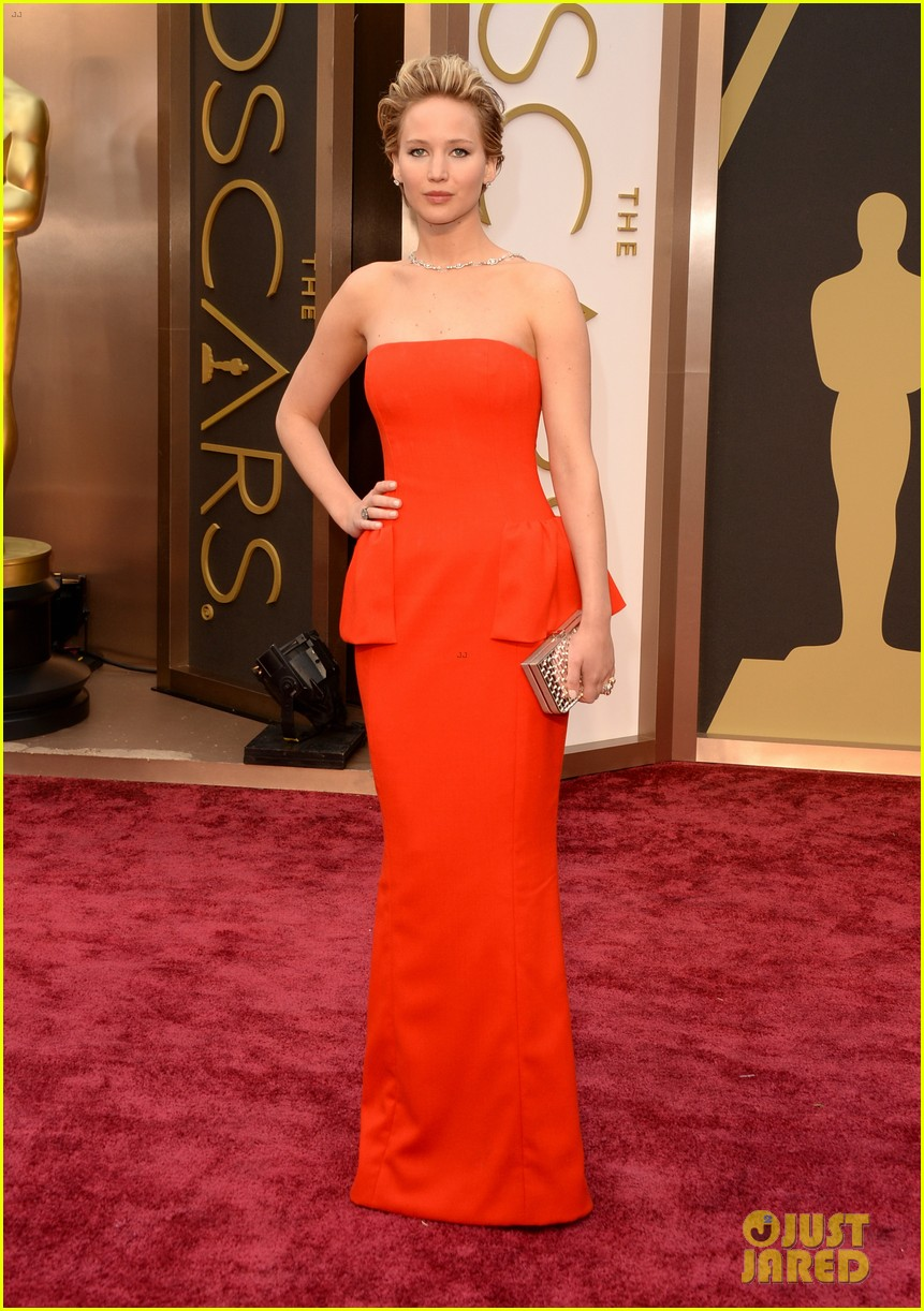 jennifer lawrence oscars 2014 red carpet 093063863