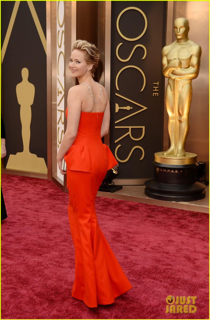 jennifer lawrence oscars 2014 red carpet 103063864