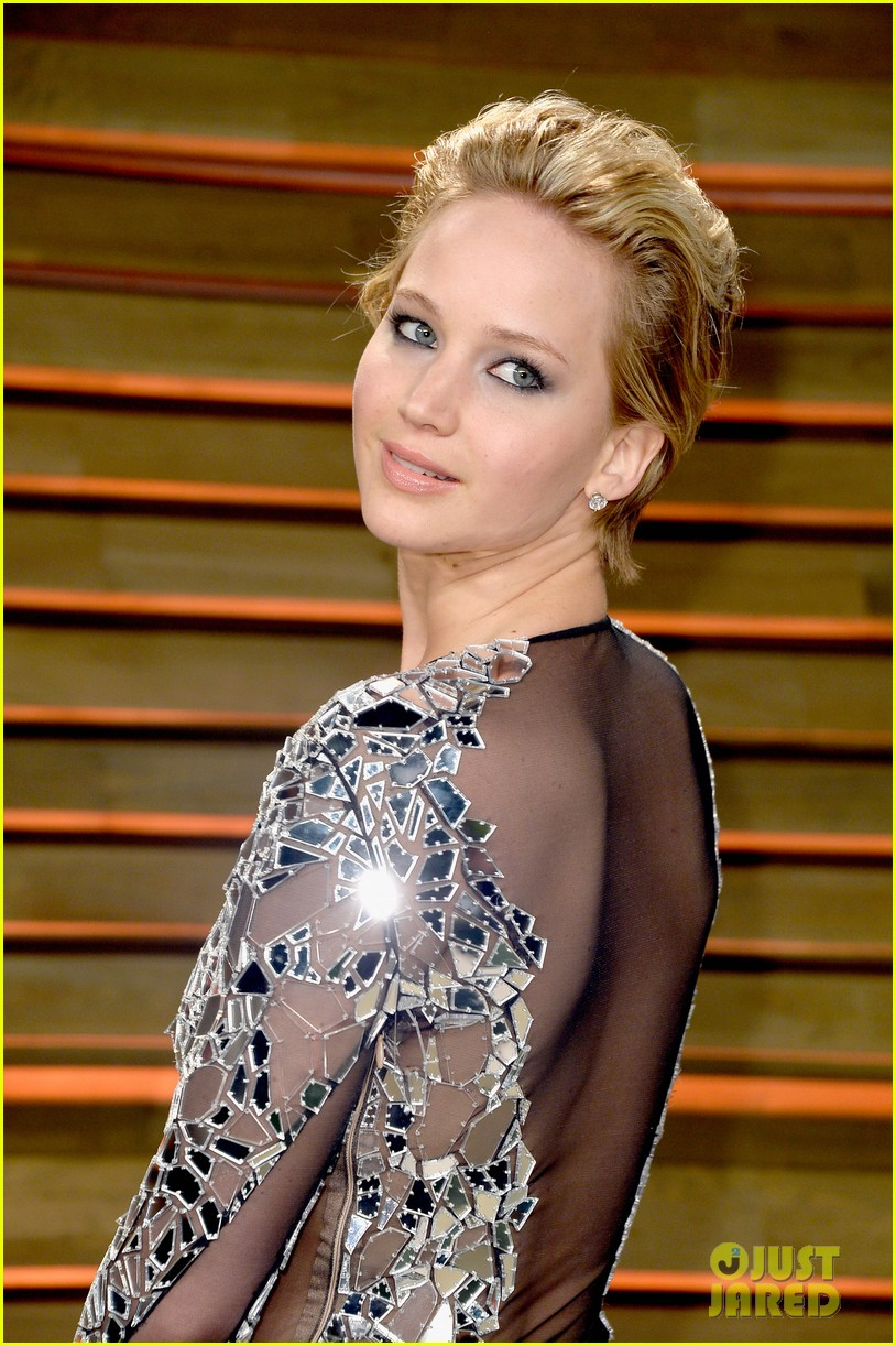 jennifer lawrence vanity fair oscars party 2014 023064512