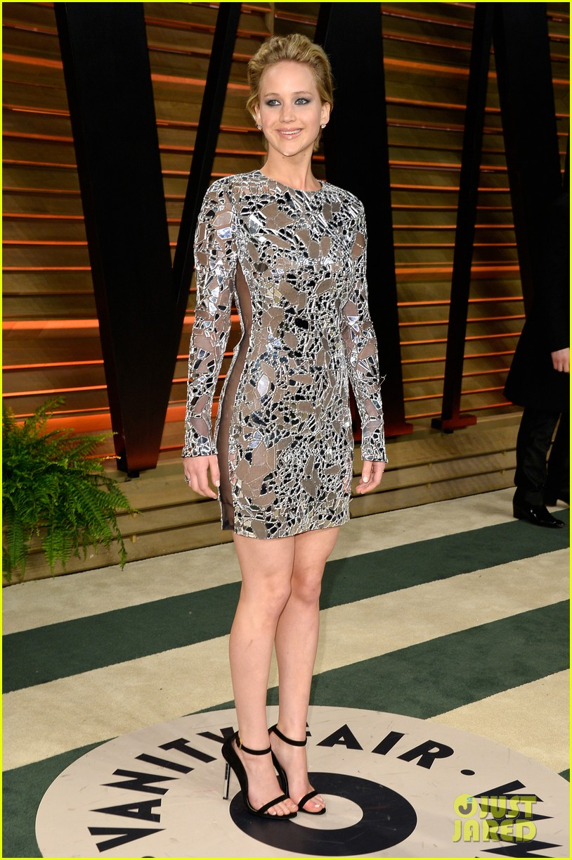 jennifer lawrence vanity fair oscars party 2014 033064513