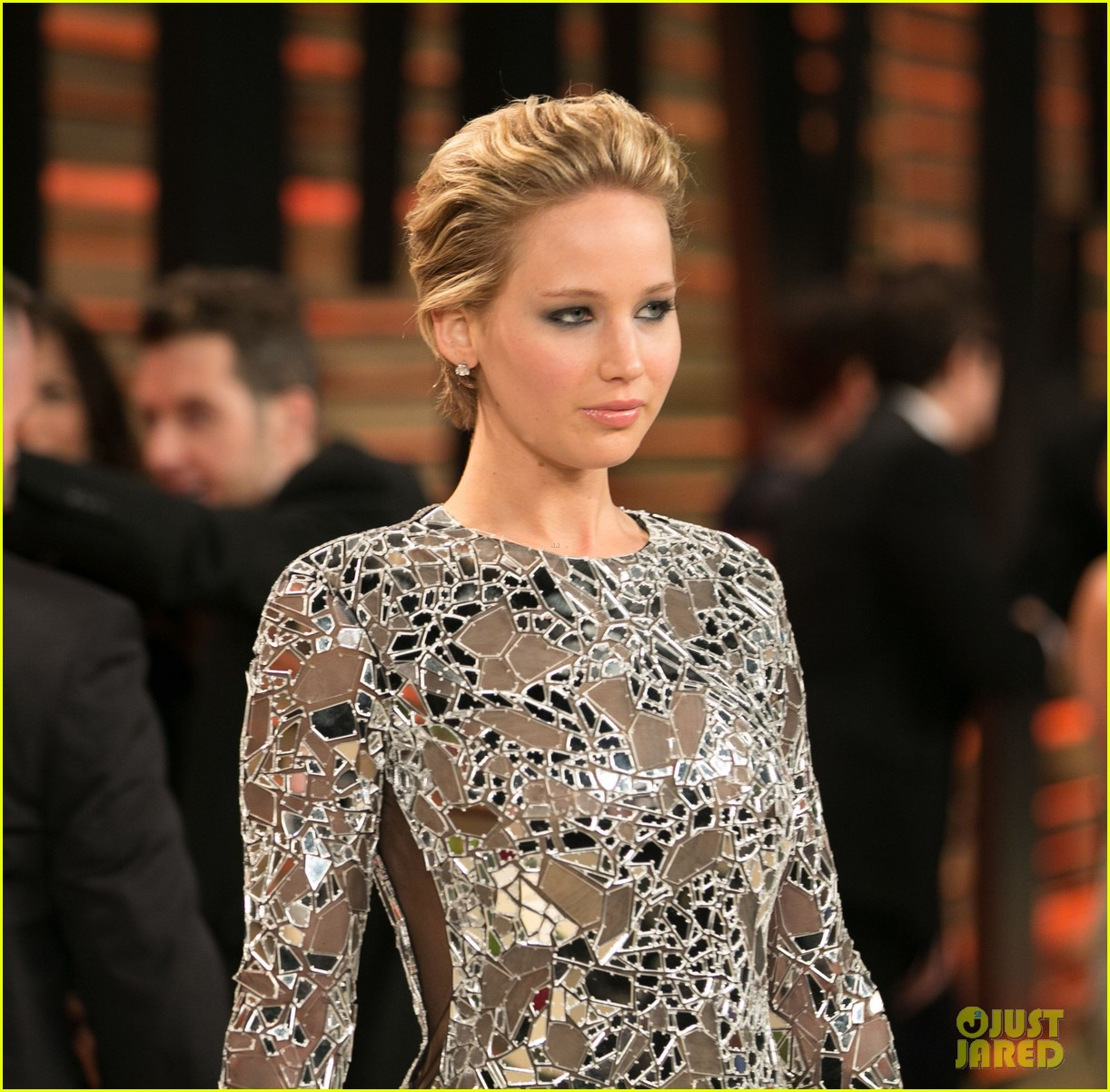 jennifer lawrence vanity fair oscars party 2014 093064519