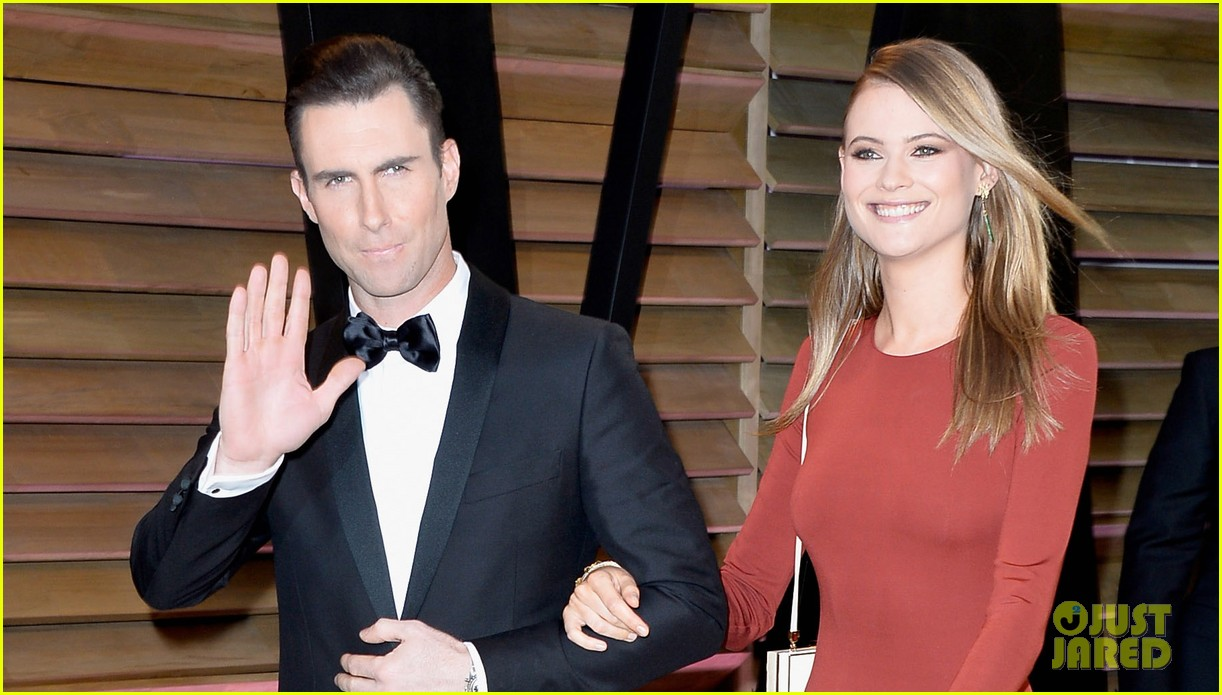 adam levine behati prinsloo vanity fair oscar party 2014 02