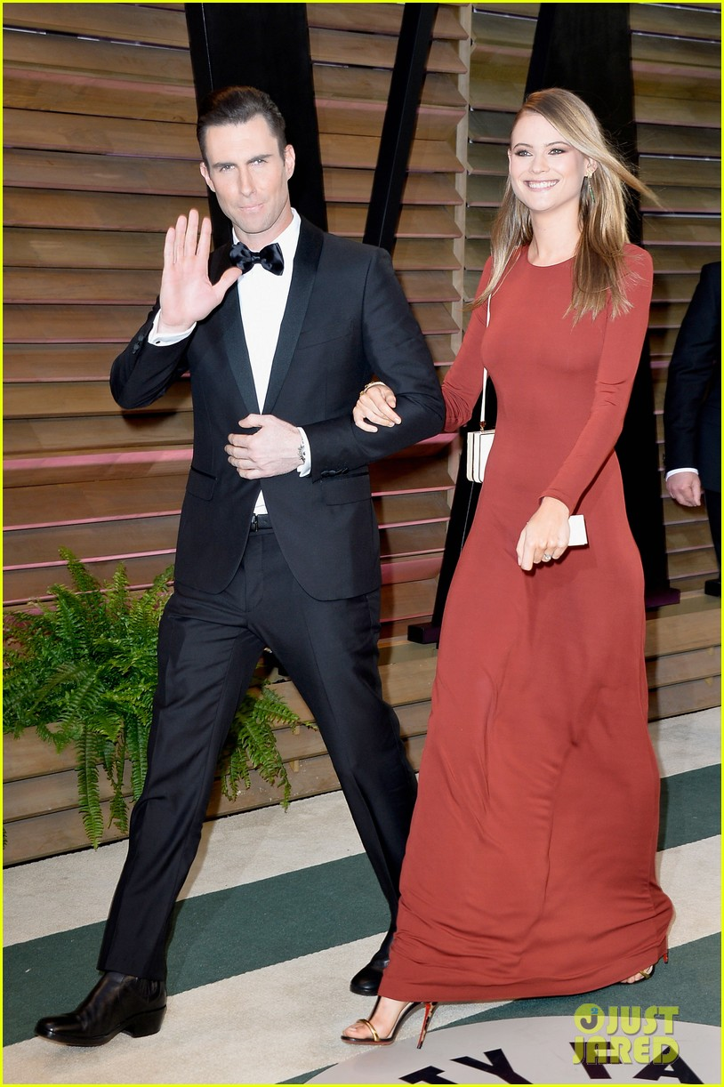 adam levine behati prinsloo vanity fair oscar party 2014 04