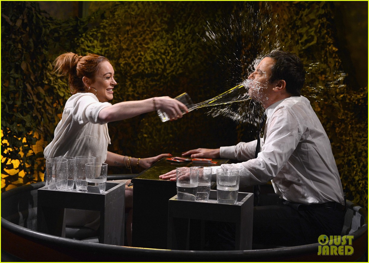lindsay lohan gets water thrown in her face by jimmy fallon 063067431