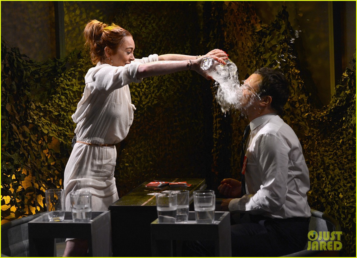 lindsay lohan gets water thrown in her face by jimmy fallon 093067434