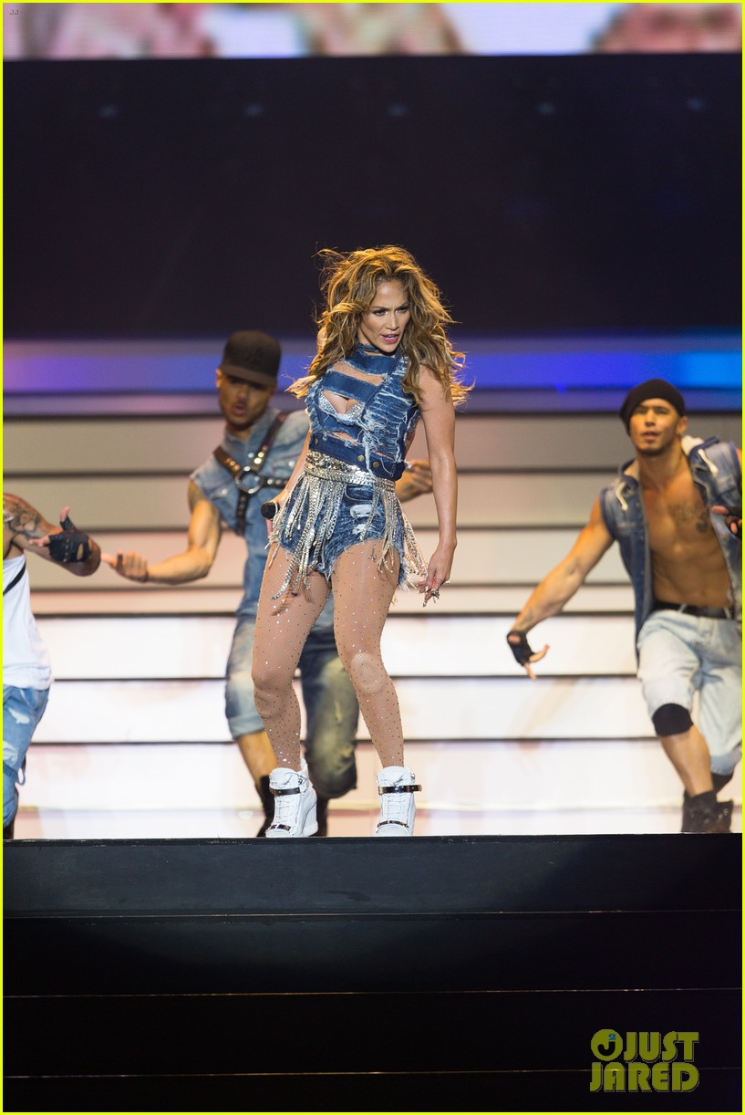 jennifer lopez dubai concert photos 073081518