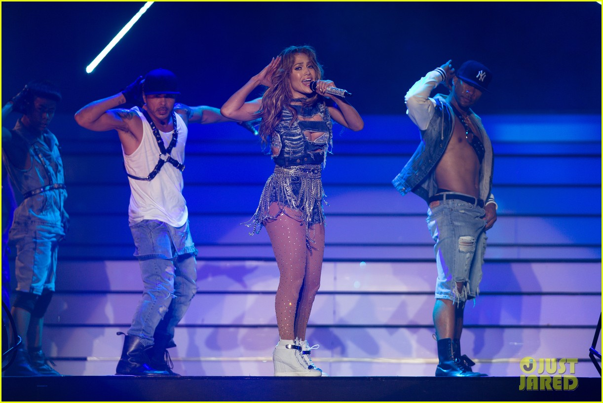jennifer lopez dubai concert photos 15