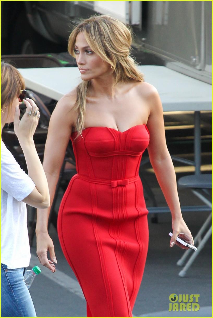 jennifer lopez is red hot for american idol results show 223080177