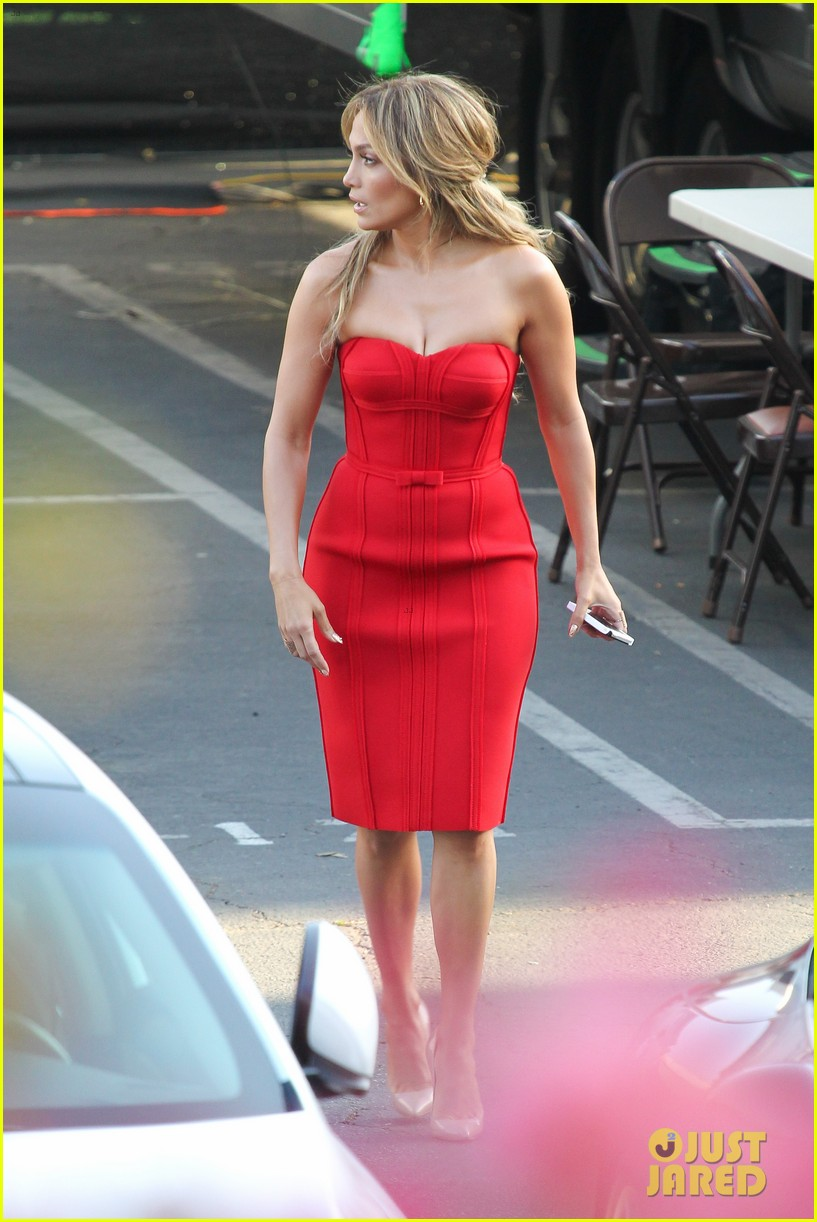 jennifer lopez is red hot for american idol results show 26
