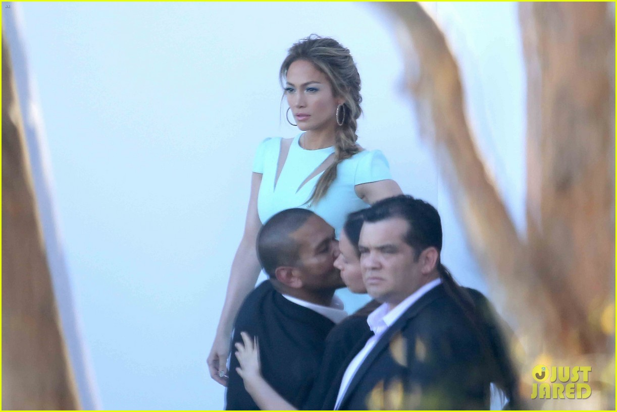 jennifer lopez will perform american idol thursday 173075090