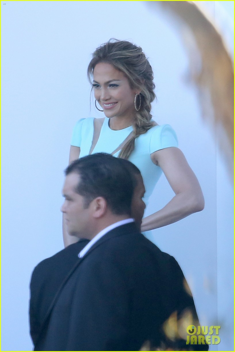 jennifer lopez will perform american idol thursday 183075091