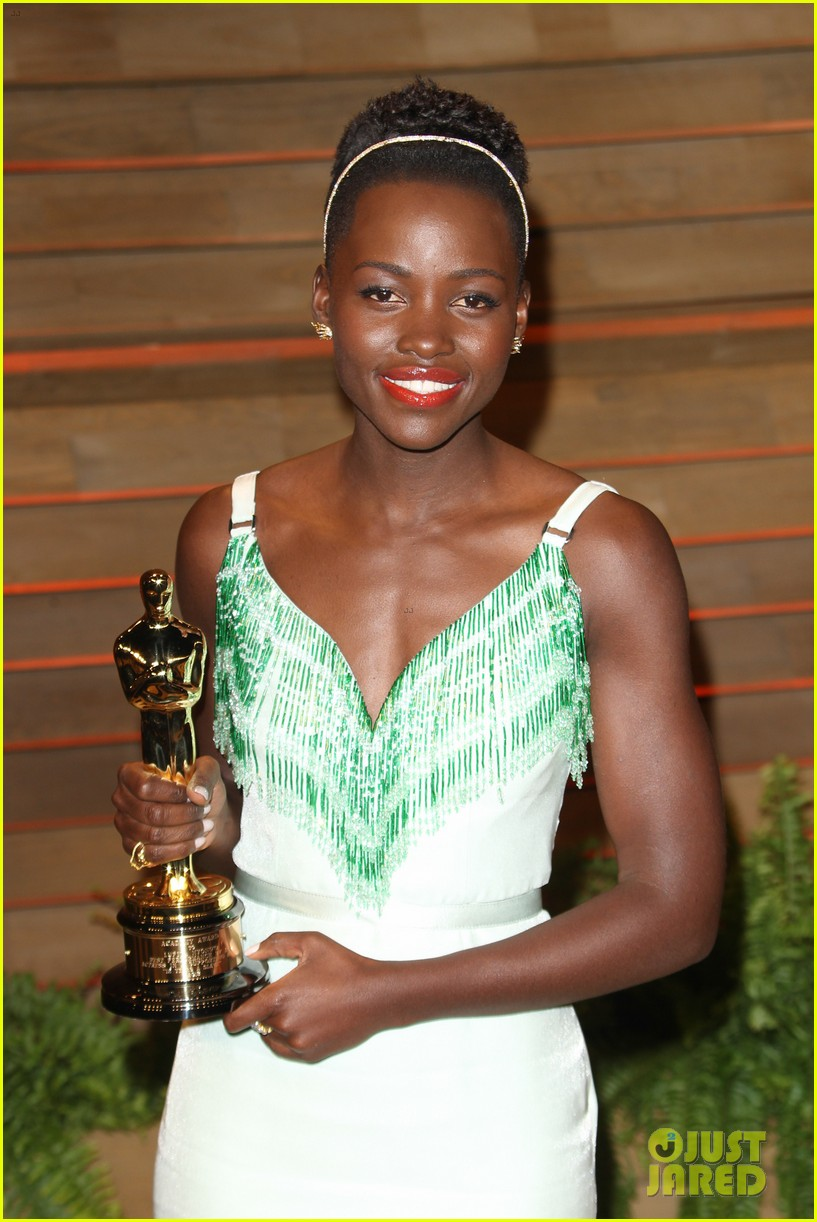 lupita nyongo vanity fair oscars party 2014 093064597