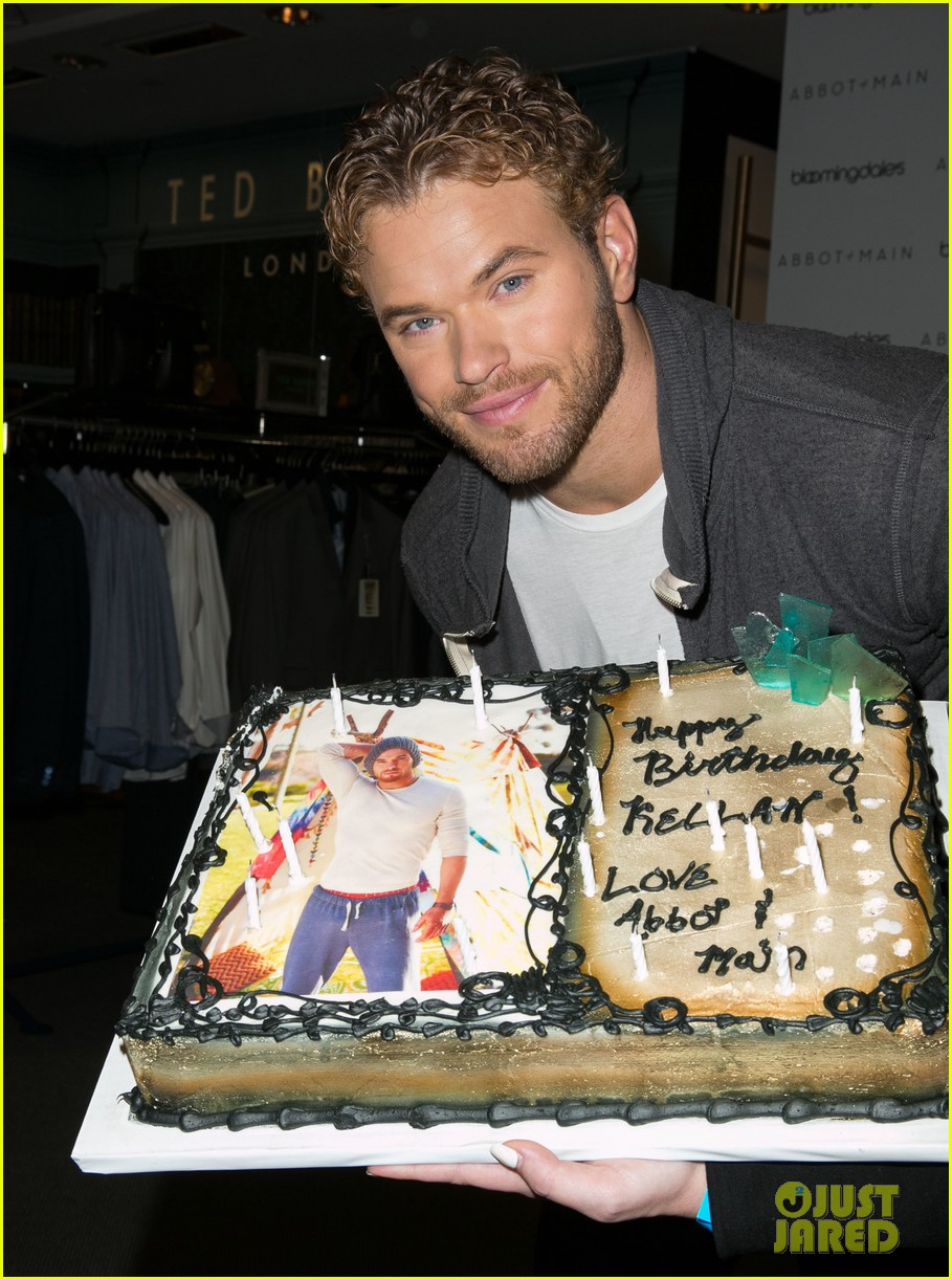 kellan lutz continues birthday celebrations abbot main 023077397