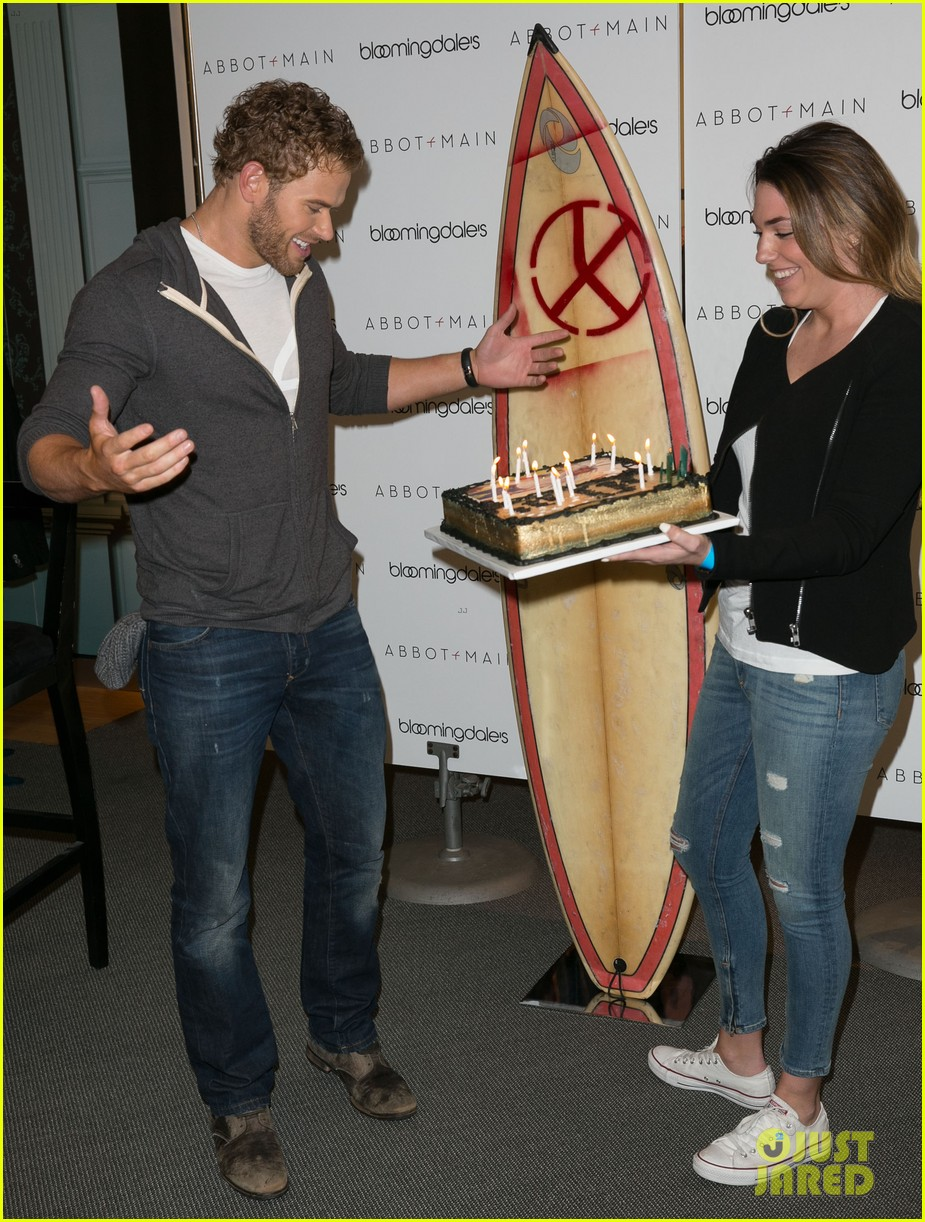 kellan lutz continues birthday celebrations abbot main 133077408