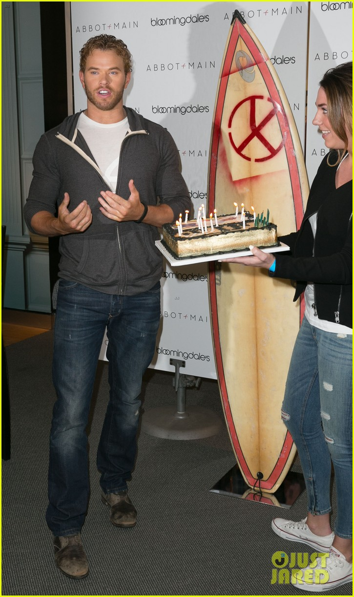 kellan lutz continues birthday celebrations abbot main 143077409