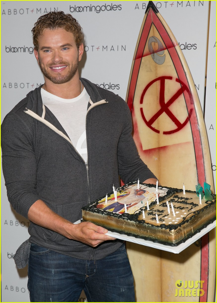 kellan lutz continues birthday celebrations abbot main 173077387