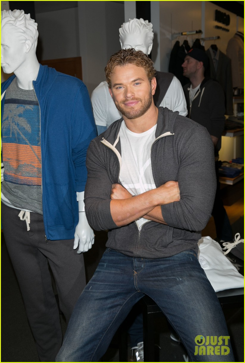 kellan lutz continues birthday celebrations abbot main 223077392