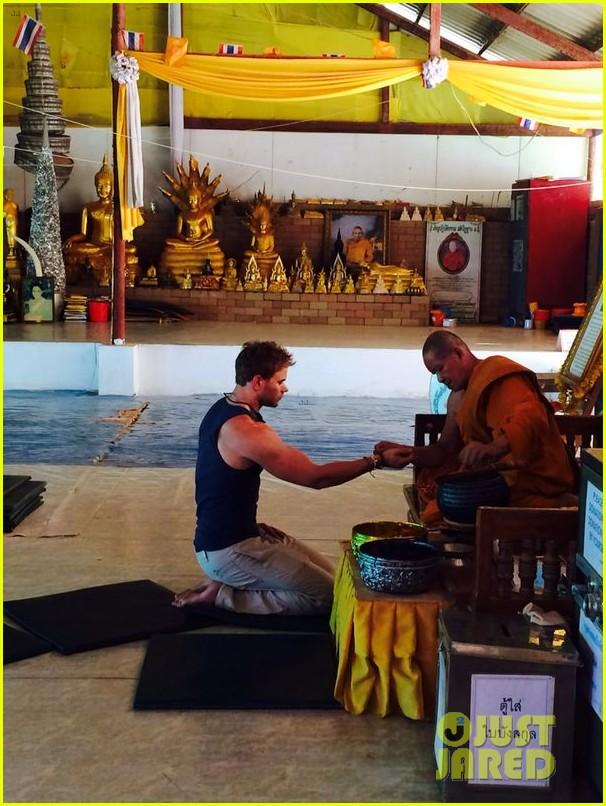 kellan lutz goes shirtless feeds monkey thailand 163071008