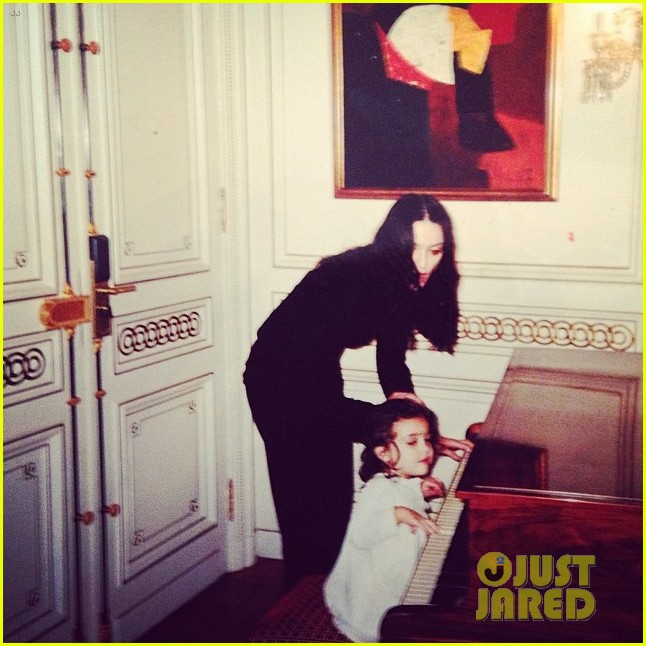 madonna shares old photo of herself with daugther lourdes 033078275
