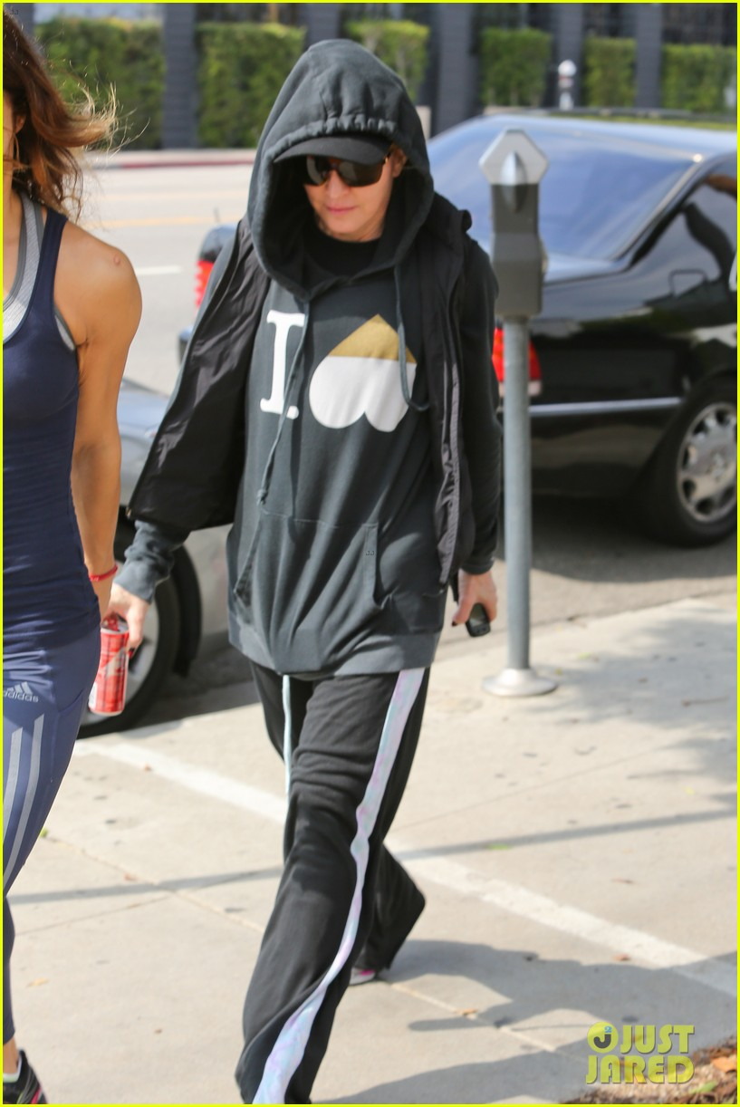 madonna works out after star studded oscars after party 073066413